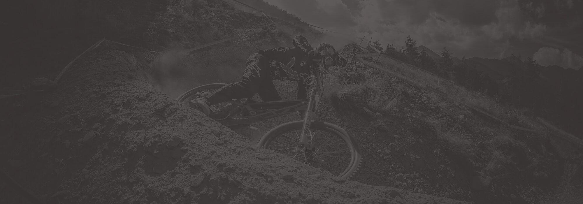 Downhill Rennen mit Fox Racing